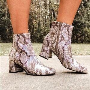 Chinese Laundry Snakeskin Booties - Size 6.5